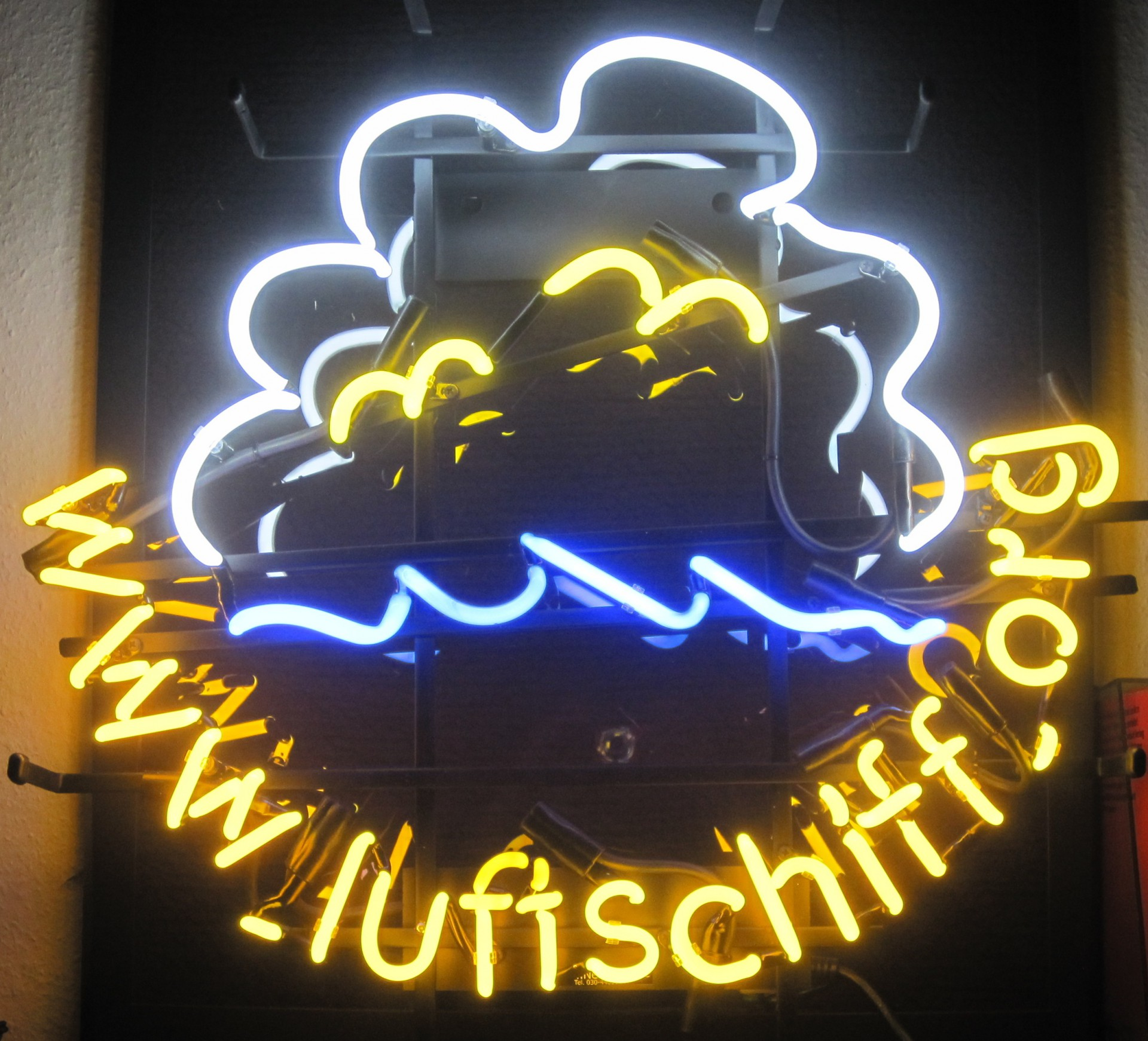 cropped-Neonschiff-Kopie.jpg